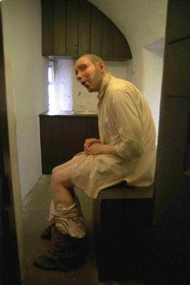 Wachsfigur im Gefängnis-Klo - Schottland