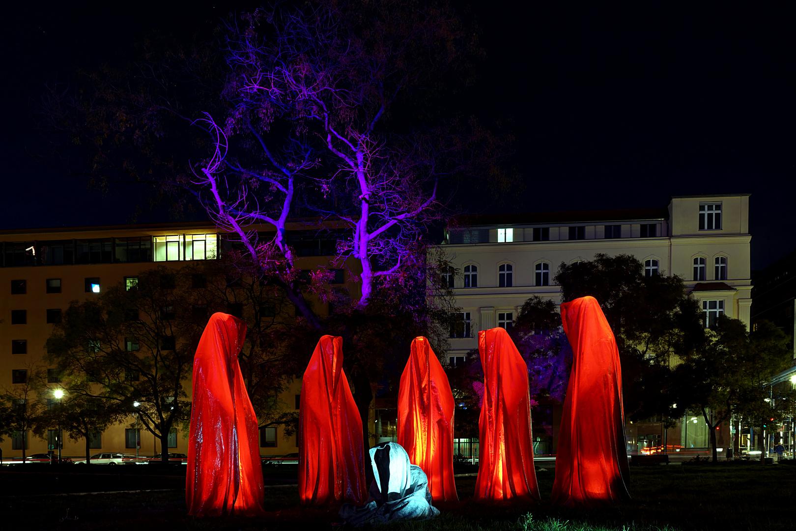 """""""Wächter der Zeit"""" am Lichtbaum"""