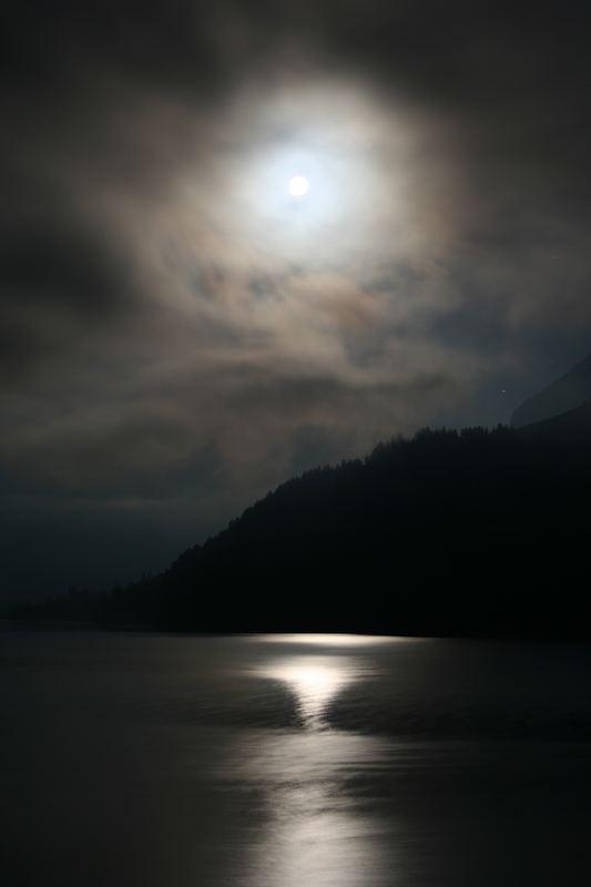 Wägitalersee by night
