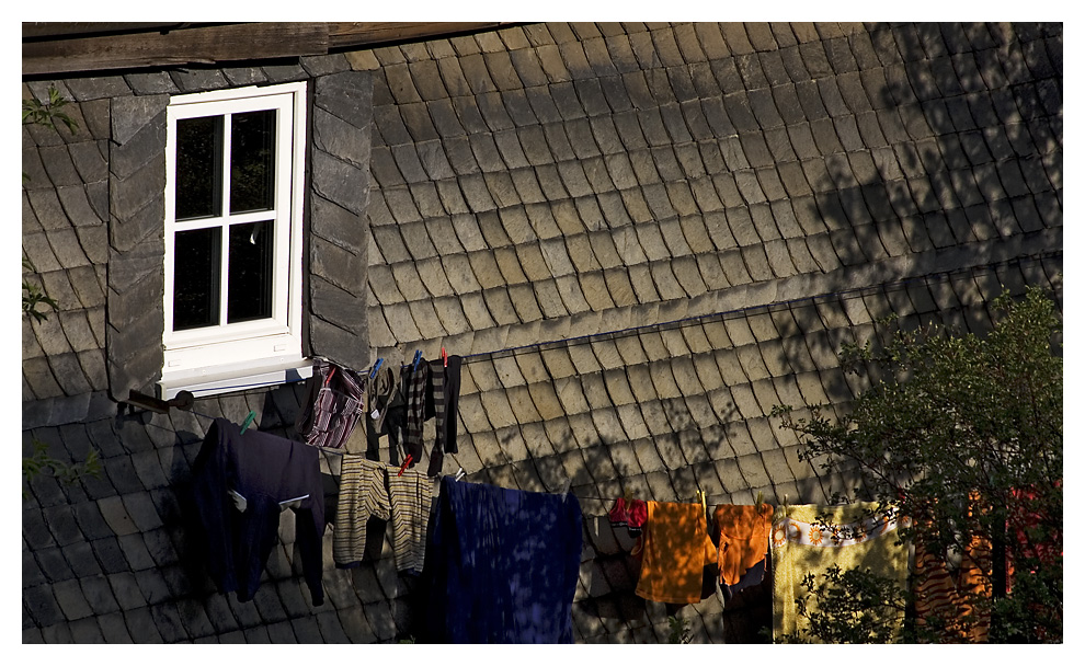 Wäsche vorm Haus