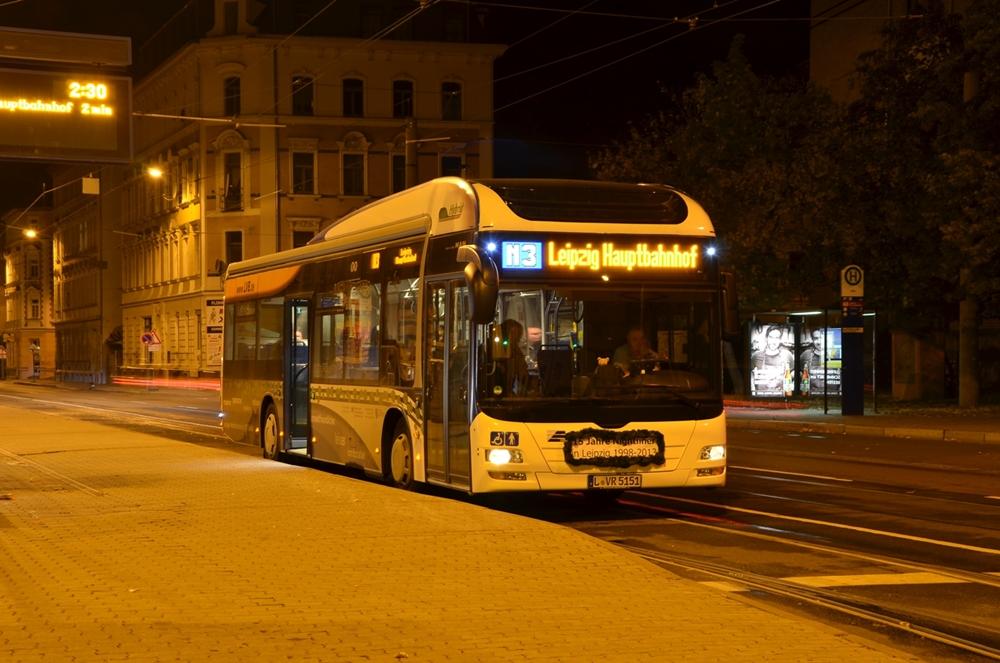 Wagen 5151 der LVB auf der Linie N3 an der Hst Adler