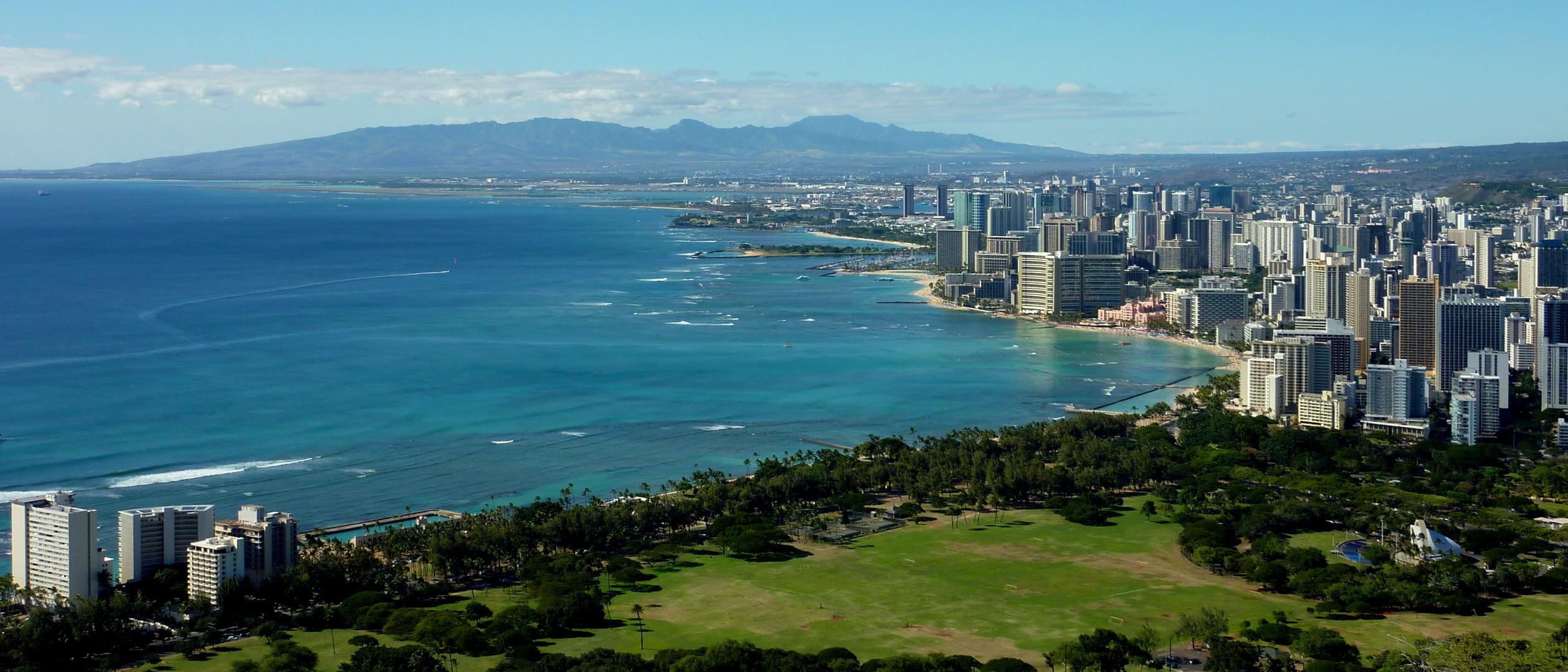 Waikiki Beach view from Diamond Head mountain.. Oahu Island, Hawai'i..