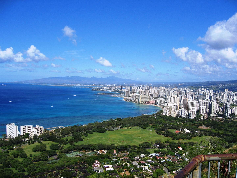 Waikiki vom Diamond Head aus gesehen....