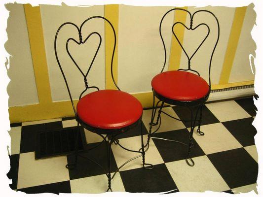 waitin' for 2 sweethearts