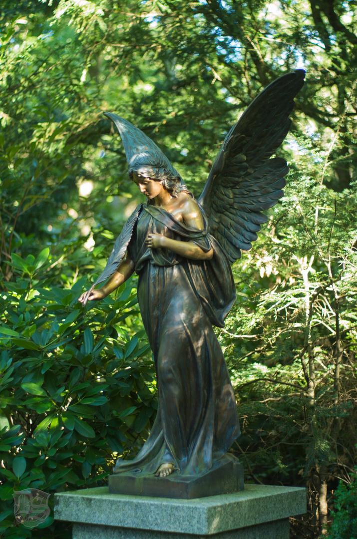 Waldfriedhof Stuttgart, Engel