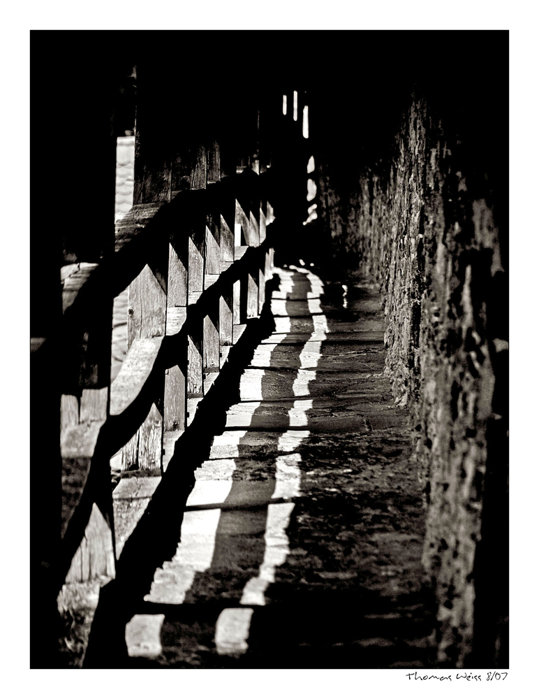 walk along the battlements