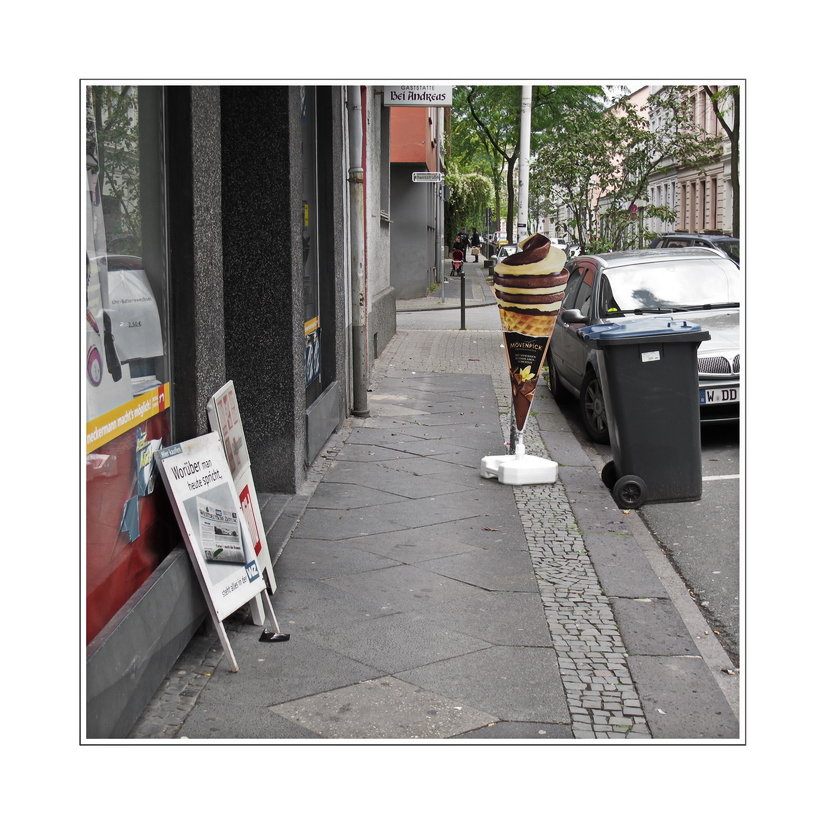 ... walking alone on Simonsstrasse... minding my own business