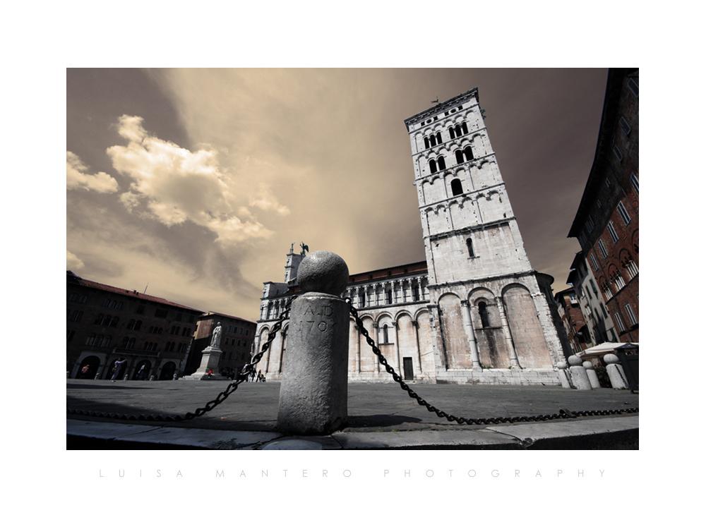 Walking in Lucca
