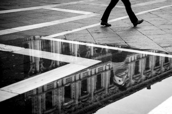 walking in venice - 2