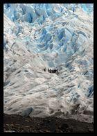 Walking on the glaciar