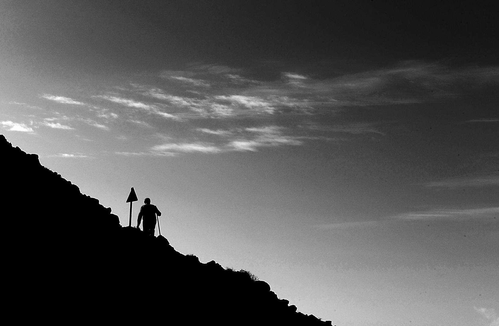 Wanderer auf Santorini
