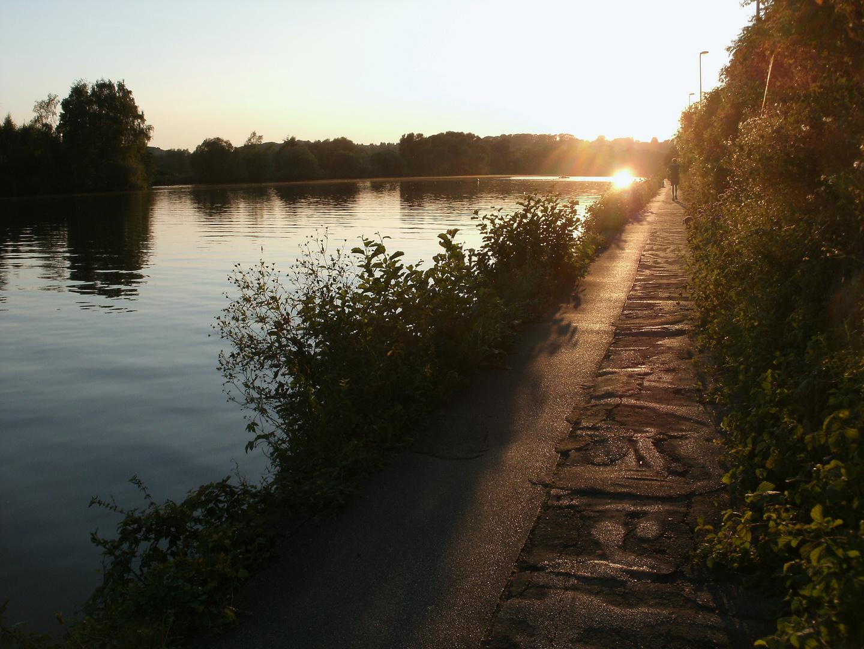 Wanderung durch die Abendsonne