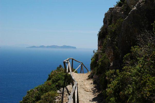 Wanderweg auf der Insel Marettimo