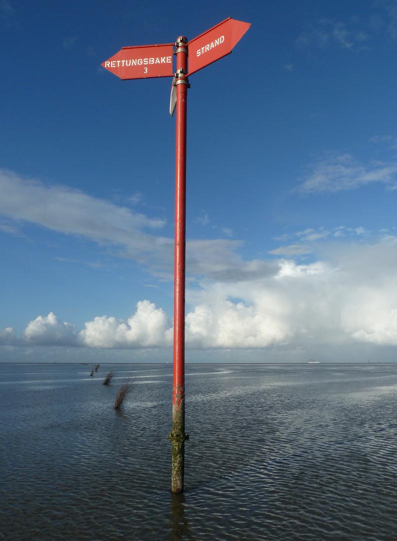 Wanderweg im Meer