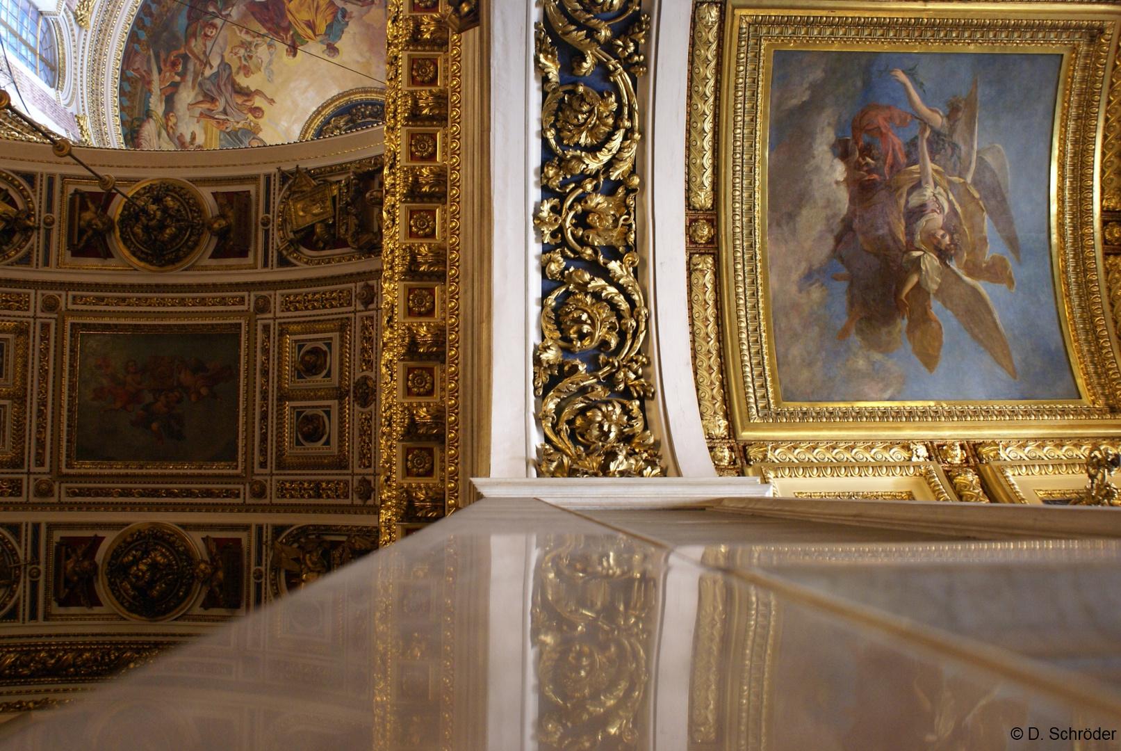 Wandsäule und Decke der Isaakskathedrale