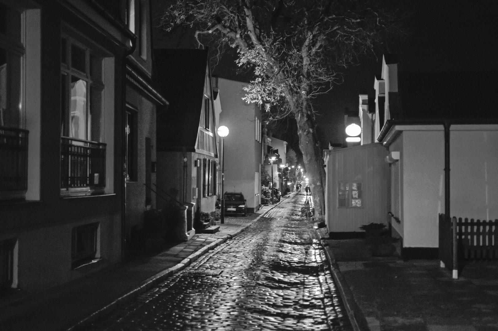 Warnemünde bei Nacht..