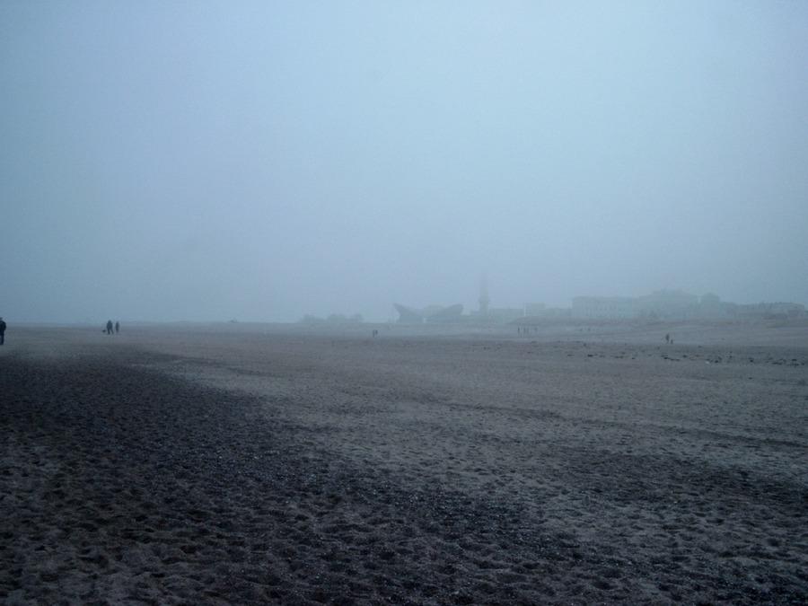 Warnemünde im Nebel