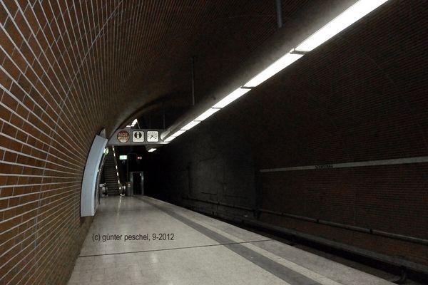 Warte - die nächste U-Bahn kommt