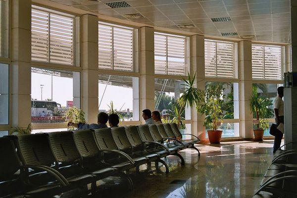 Wartebereich Flughafen Antalya Terminal 1