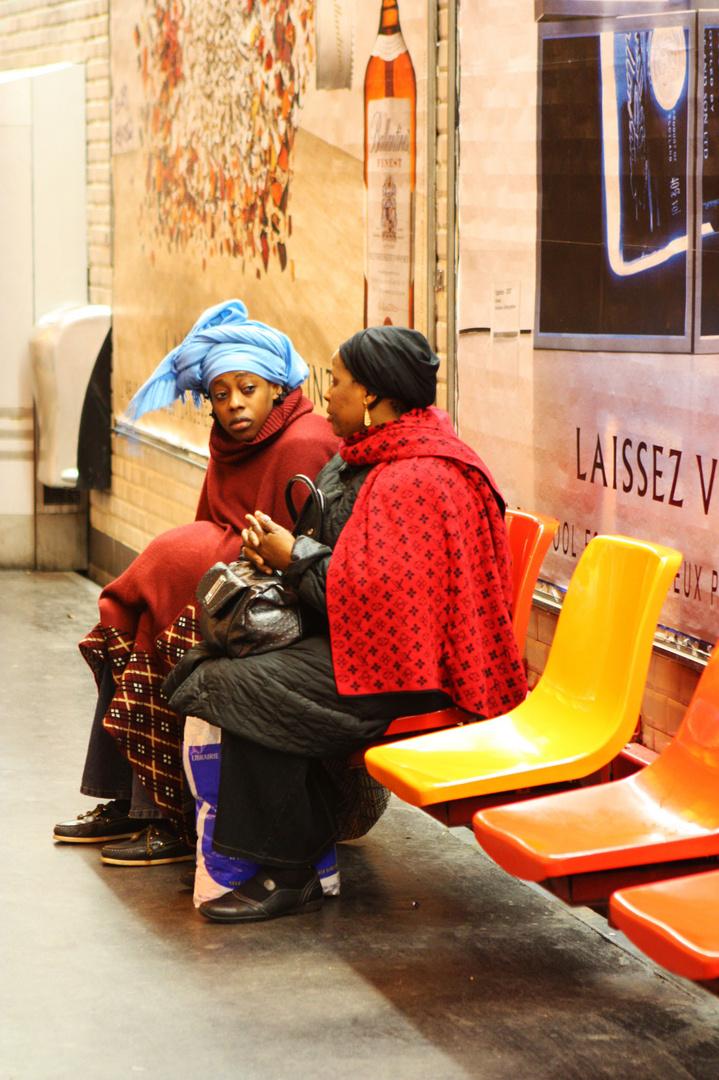 Warten auf die Metro (1)