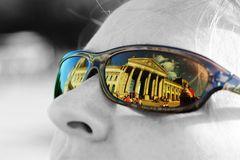 Warten auf Einlass in den Reichstag