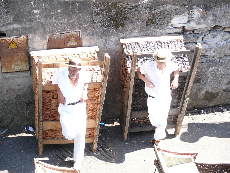 """Warten auf """"Schlittenfahrer"""" - am Monte/Funcal Madeira"""