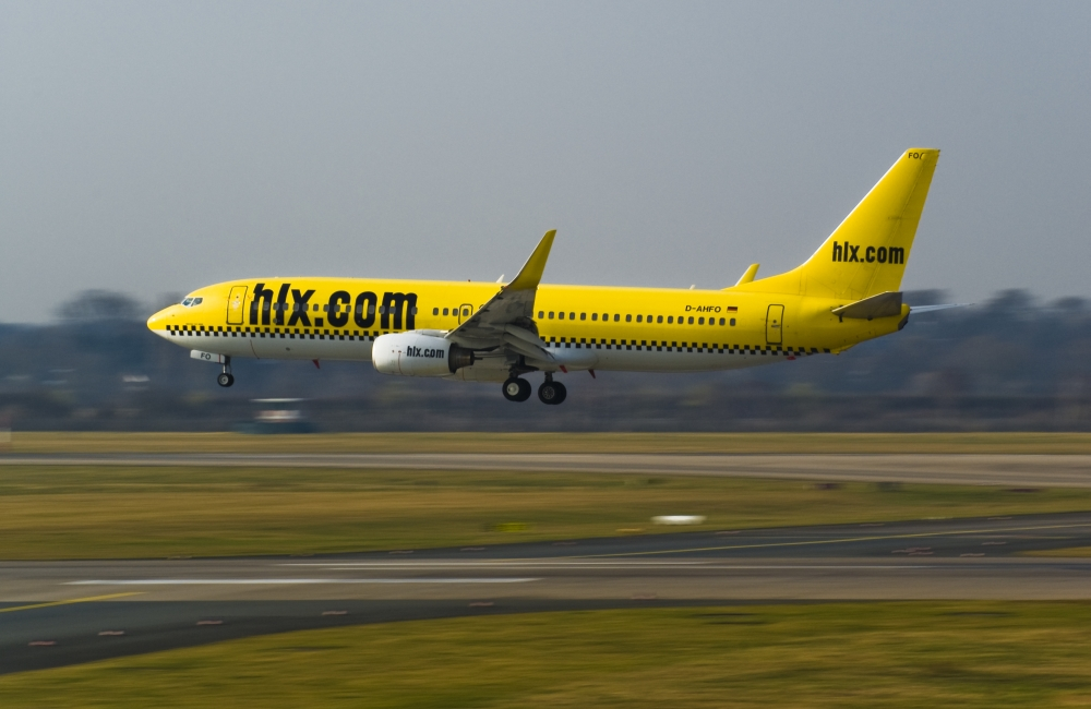 Was ist gelb und fliegt ?