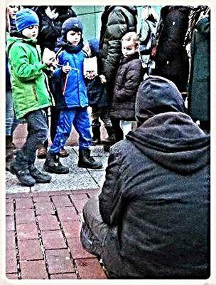 Was mögen diese kinder denken ?