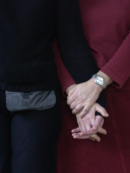 Was taten die Hände, während die Gesichter fotografiert wurden