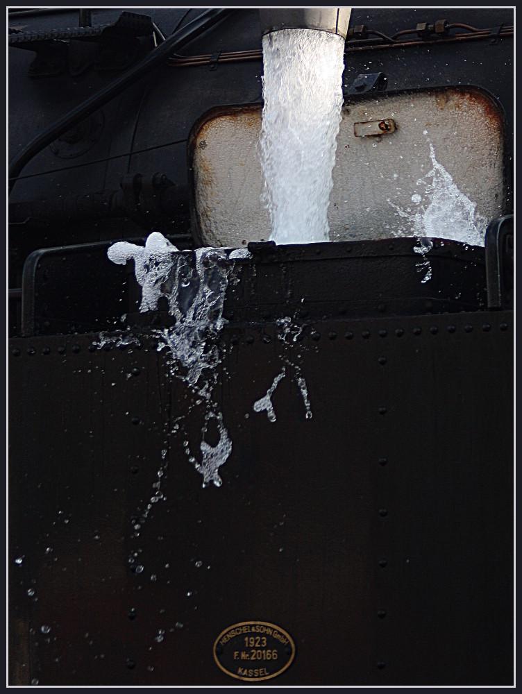 Wasser kann auch weiterhin nicht komprimiert werden .....