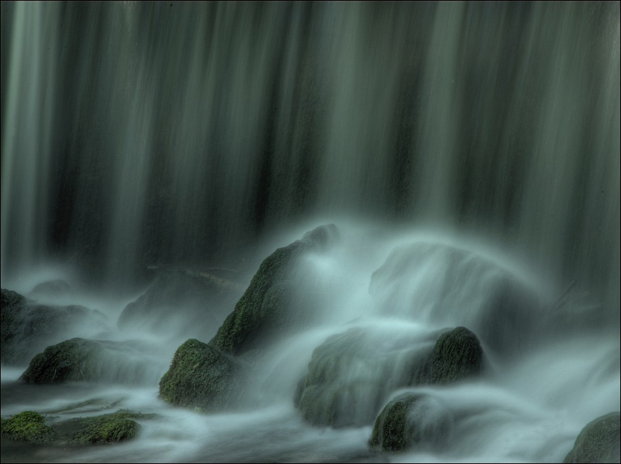 Wasser, Moos und Stein