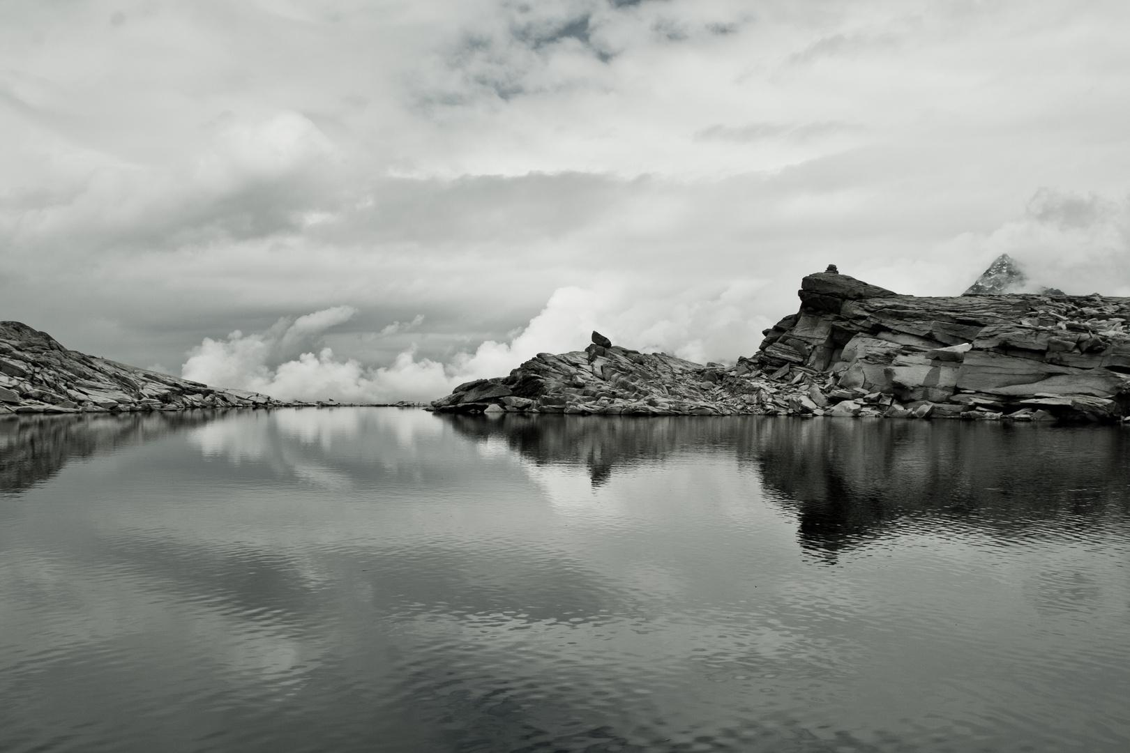 Wasser Steine Wolken