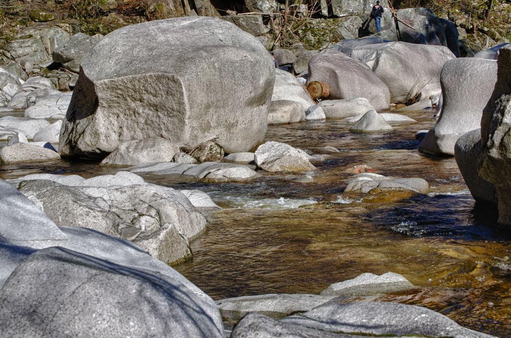 Wasser und Stein im Einklang