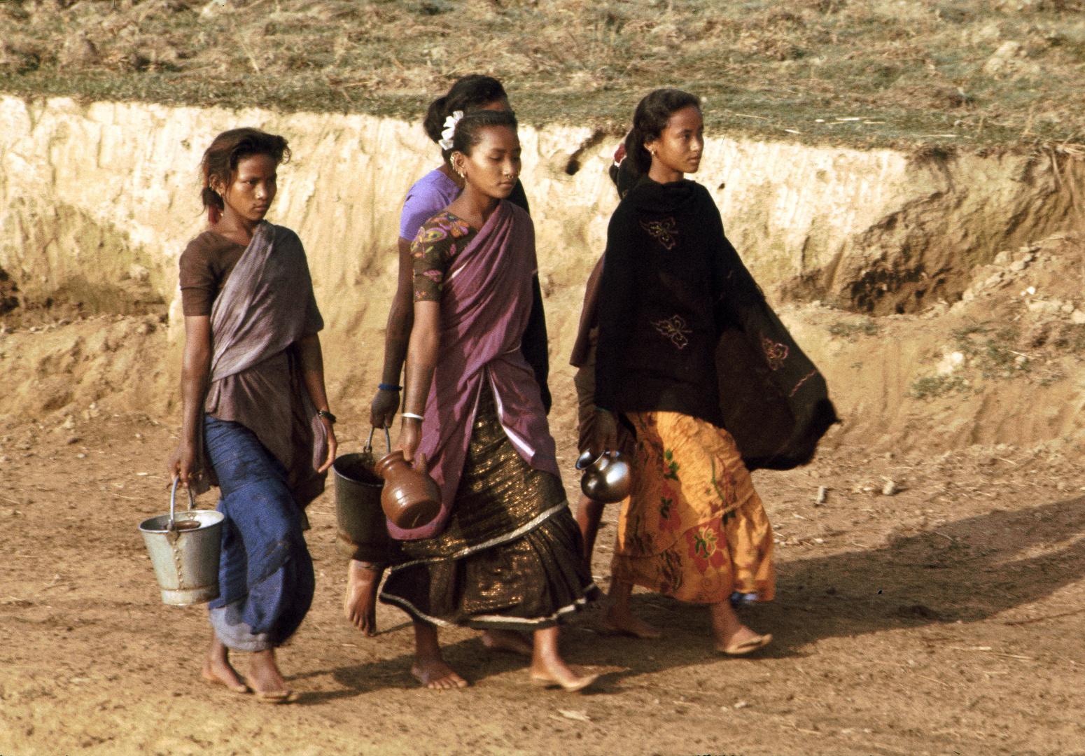 Wasser vom Fluss. Nepal