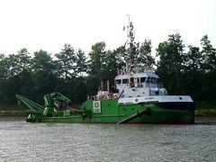 Wassereinspritzbagger  DHAMRA  auf dem Nord-Ostsee-Kanal