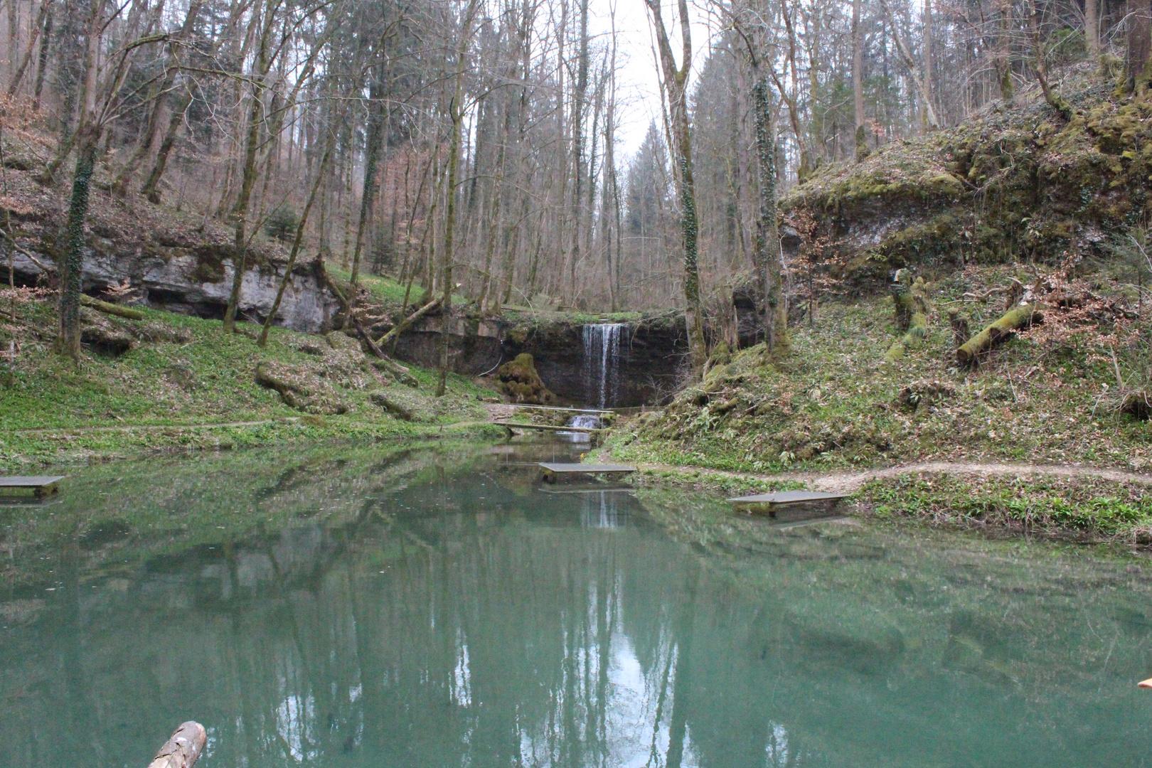 Wasserfall am See