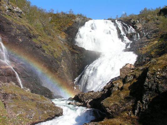 Wasserfall an der Flambahn (Norwegen)