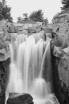 Wasserfall B/W
