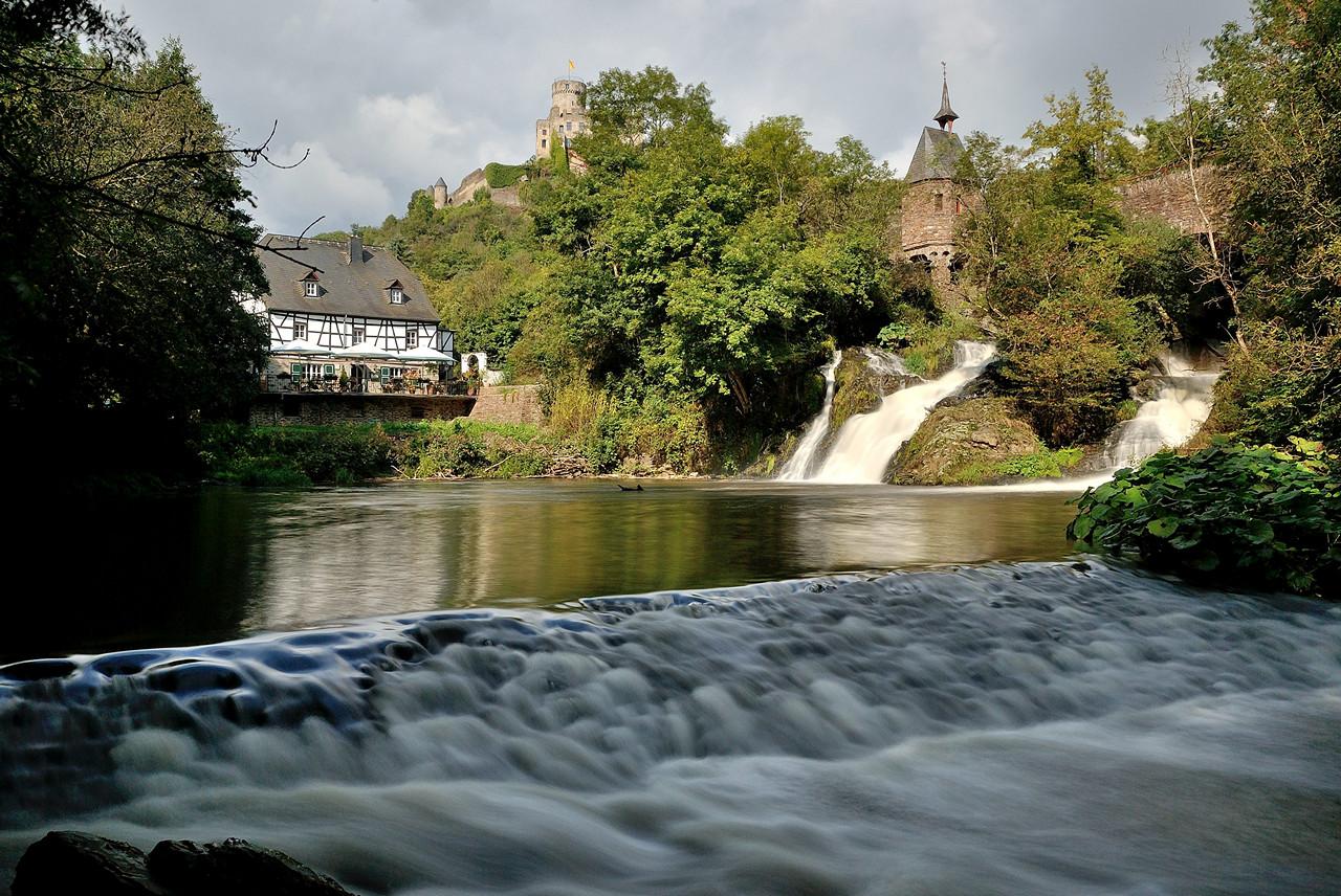 Wasserfall der Elz an der Pyrmonter Mühle