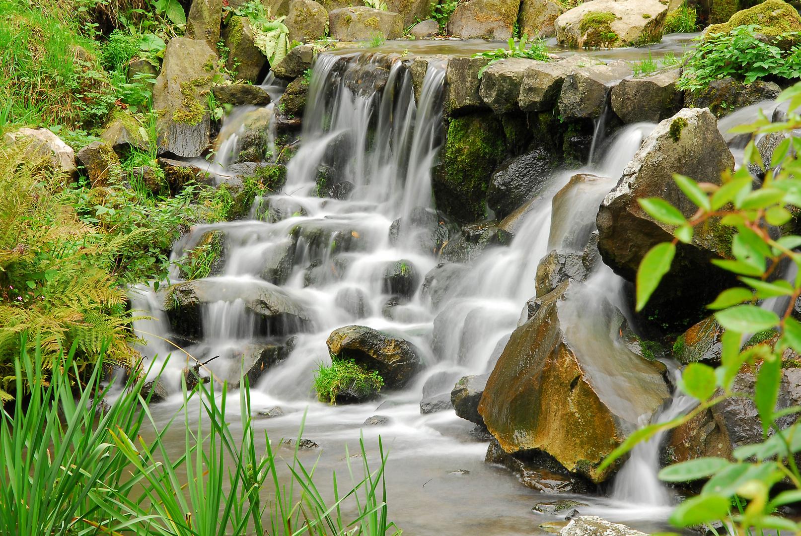 Wasserfall im Bergpark