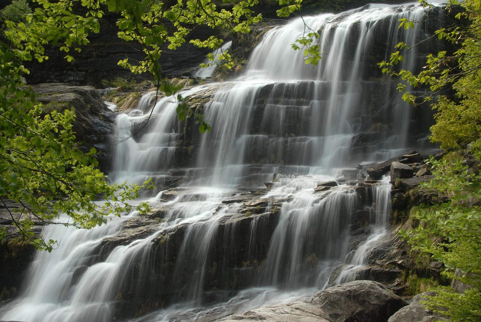 Wasserfall im Verzascatal