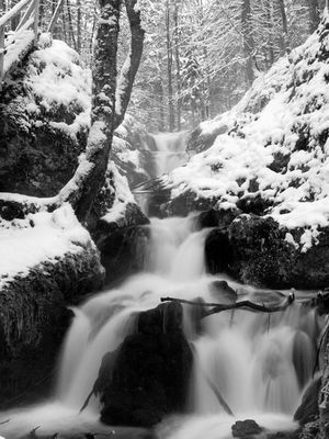 Wasserfall im Winter