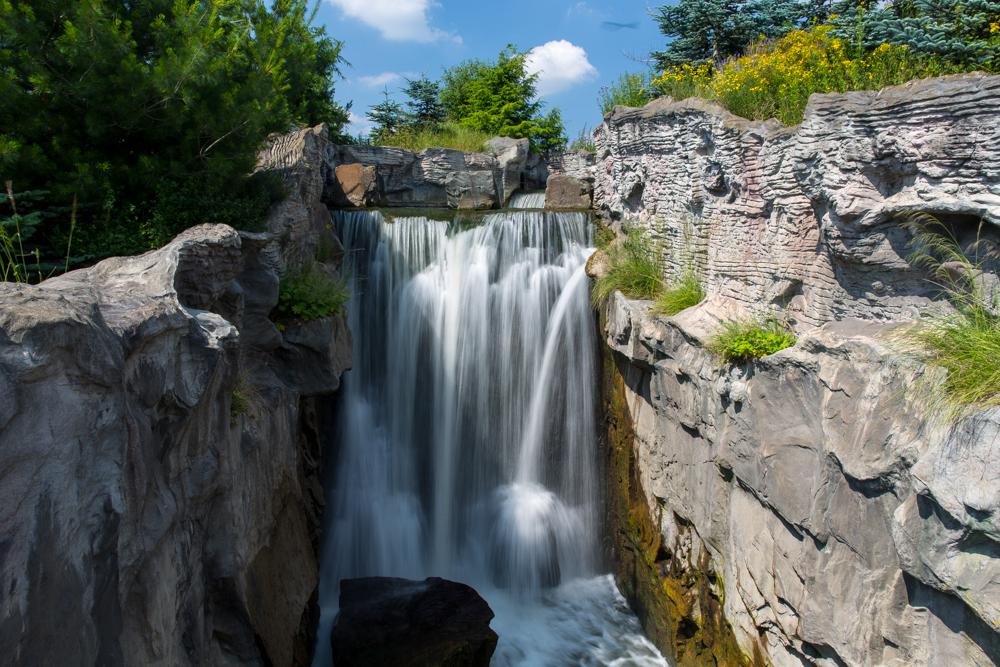 """""""Wasserfall im Zoo ZOOM"""""""