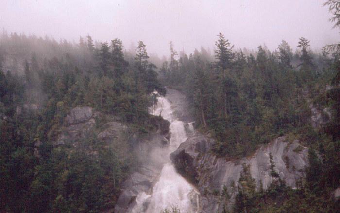 Wasserfall in Britsh Columbia