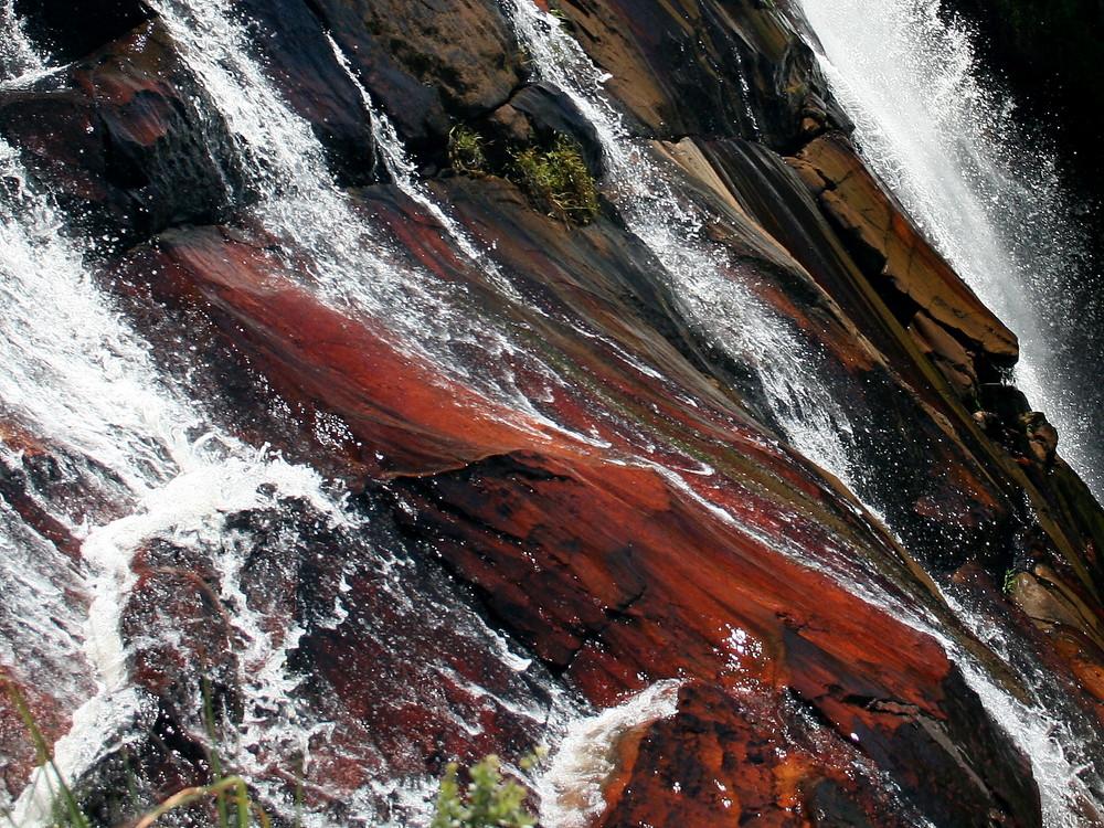Wasserfall in Farben