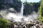 Wasserfall in Foroglio (Maggiatal)