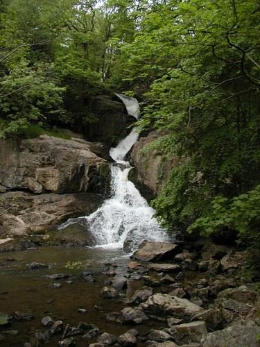 Wasserfall (in Mortain)