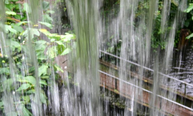 Wasserfall ( innen )