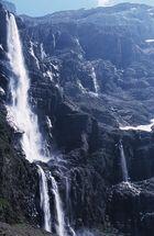 Wasserfall, recht hoch