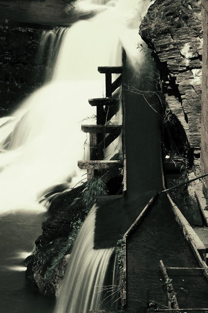 Wasserfall Saarburg in S/W !